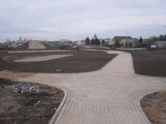 Budowa skweru rekreacyjnego przy ul. Planty we Włocławku-roboty brukarskie