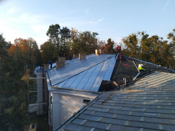 Remont Dachu Zabytkowego Budynku Biura Zarządu Uzdrowiska Ciechocinek S.A-etap nr I